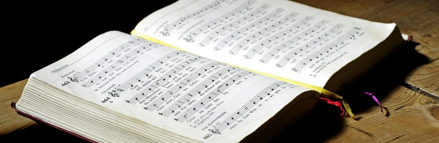 hymnal-468126_1280